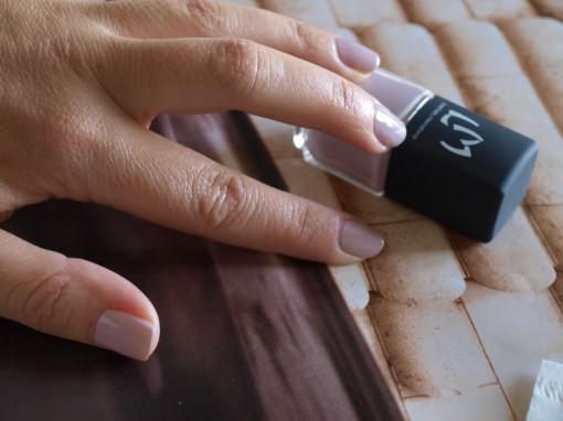 P1019365 510x382 Le défi manucure du mois: utiliser de la paillette fluo sans passer pour une ado
