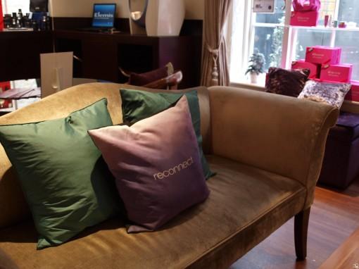 P1011247 510x382 Massage du corps pour femme enceinte : assise ou couchée ?
