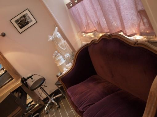 P1011630 510x382 Secret de cour : le nouveau salon aux petits soins