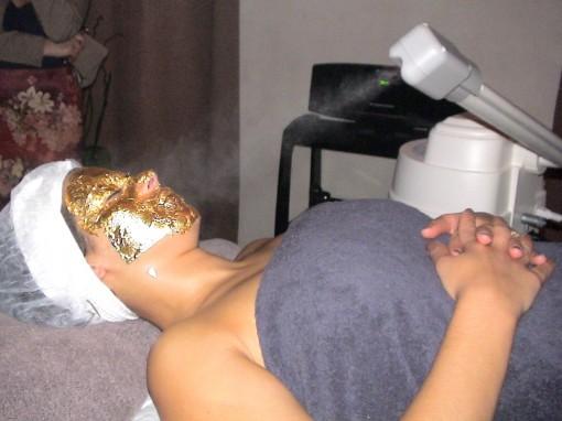 SkinGoldetape7bis 30ansenbeaute 510x382 La femme au masque dor ** À gagner 1 soin SkinGold 24 carats ! **