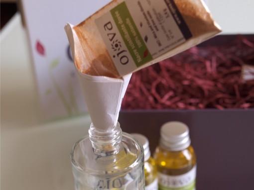 kit ojova huile scintillante etape 1 30eB 510x382 Lhuile aphrodisiaque à préparer sous et rien que pour ses yeux