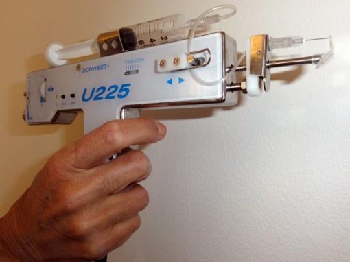 pistoletBiophymedmain Mesolipolyse 30ansenbeaute 510x382 Spécial Minceur : quand la Mésolypolise liquide mes capitons et mes scrupules