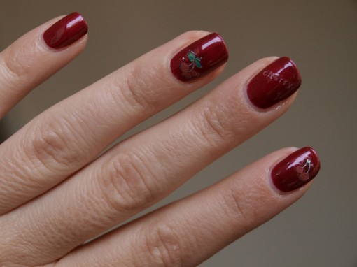 Cherry Nail Stickers 30ansenbeaute.com  510x382 Oh ma Cherry !