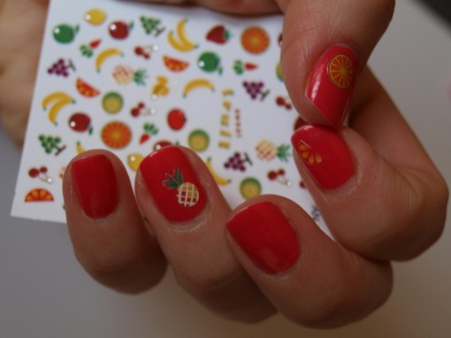 Stickers fruits nail art 30ansenbeaute.com  510x382 Tendance manucure : ces tops qui ont la coat