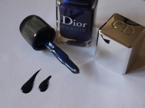 Vernis Tuxedo Dior gouttes 30ansenbeaute 510x382 La bataille du vernis bleu est lancée