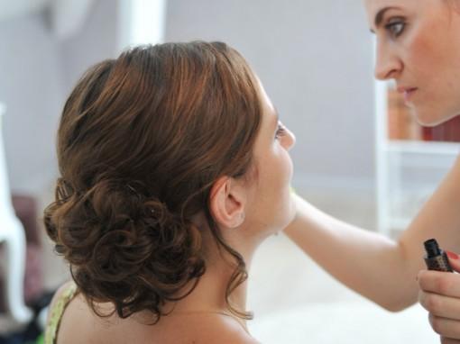Maquillage mariee application mascara 30ansenbeaute 510x382 Jolis instants de préparation maquillage pour un mariage