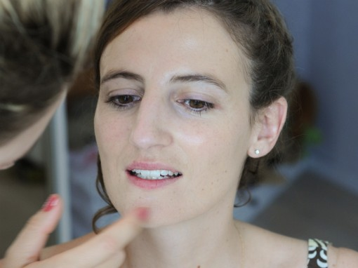 Maquillage mariee fond de teint II 30ansenbeaute 510x382 Jolis instants de préparation maquillage pour un mariage