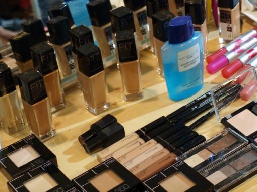 Maybelline Fit Me backstage 30ansenbeaute 510x382 Le makeup demakeup, nouvelle tendance en 2012 ?