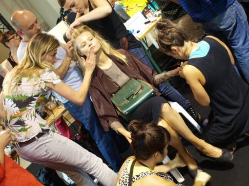 backstage defile pauljoe 30ansenbeaute 510x382 Le makeup demakeup, nouvelle tendance en 2012 ?