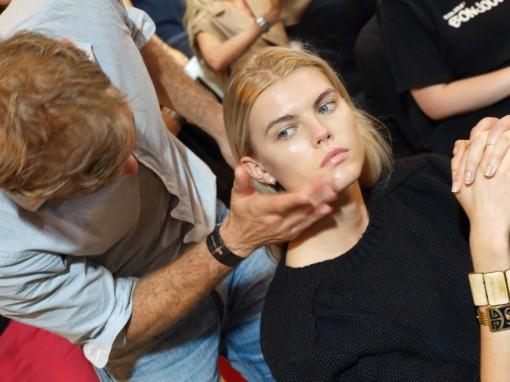 max delorme backstage pauljoe 30ansenbeaute 4 510x382 Le makeup demakeup, nouvelle tendance en 2012 ?