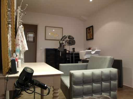 Le 161 salon coiffure appartement 30ansenbeaute 510x382 Le 161, le salon appartement de Kat