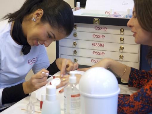 Atelier manucure express Essie After Mum to be Party 30ansenbeaute 510x382 La rencontre beauté des jeunes mamans : le compte rendu !