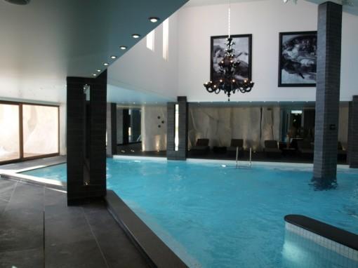 Spa Nuxe Le Strato Courchevel piscine 30ansenbeaute 510x382 Le massage sportif après ski signé Nuxe