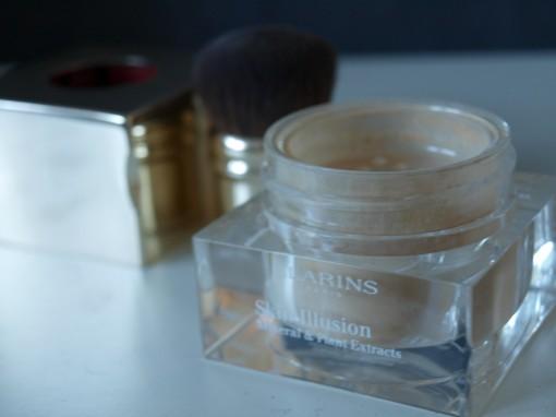 Skin Illusion Fond de Teint Poudre Libre Clarins II 30ansenbeaute 510x382 Dior Golden jungledes yeux aux ongles