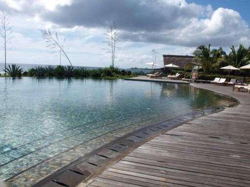 Spa 5 Mondes Club Med Albion piscine zen 30ansenbeaute 510x382 Le soin cheveu à lhuile chaude au Spa 5 Mondes