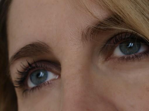 smokey eyes noir maqullage une 30ansenbeaute2 510x382 Le noir par UNE de jour comme de nuit
