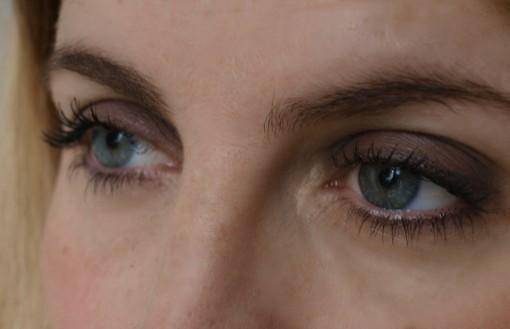 une by night smokey eyes 30ansenbeaute1 510x329 Le noir par UNE de jour comme de nuit