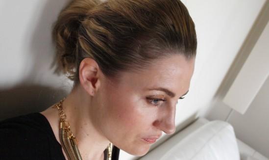 coiffure-coque-tutoriel-accessoire-30ansenbeaute